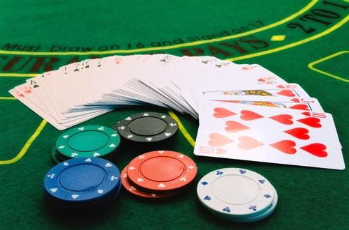 Nên hay không theo nhà cái khi chơi Blackjack? Tiết lộ bí kíp có 1 không 2