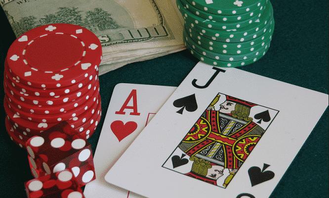 Chiến thuật quyết định phần lớn khả năng thắng thua trong Blackjack